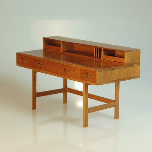 Patie Johnson Loving Desk