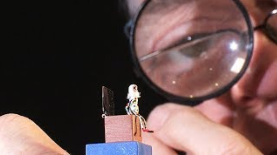 St Leger Miniature Automata