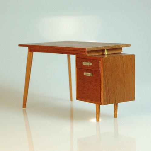 Patie Johnson Desk