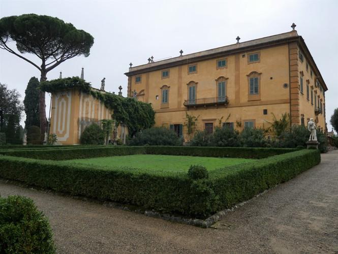 Villa La Pietra 2.jpg