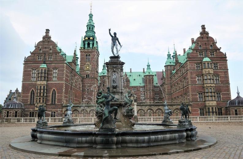 Frederiksborg Castle 1.jpg