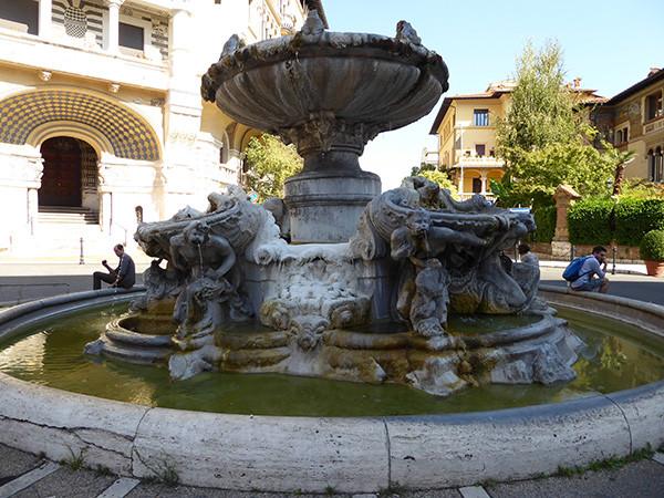 Rome-Ten-Fountains-10-600.jpg