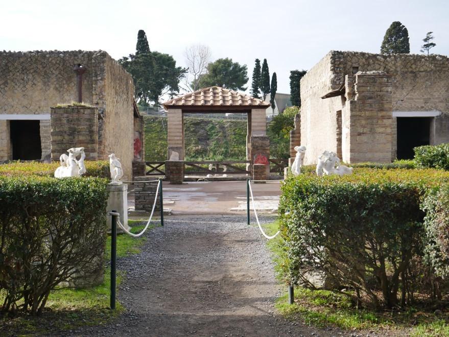 Herculaneum 4.jpg