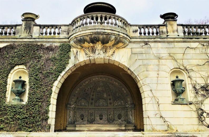 Orangery Palace 3.jpg