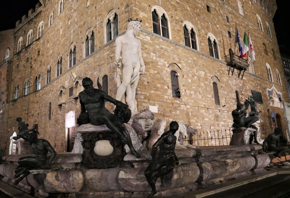 Fountains of Florence 3.jpg