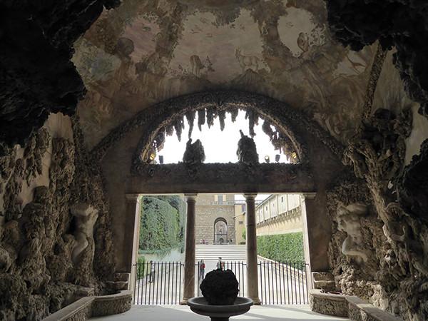 Florence-Grotto-Grande-3-600.jpg