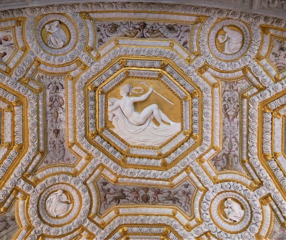 ceiling frescoes 3.jpg