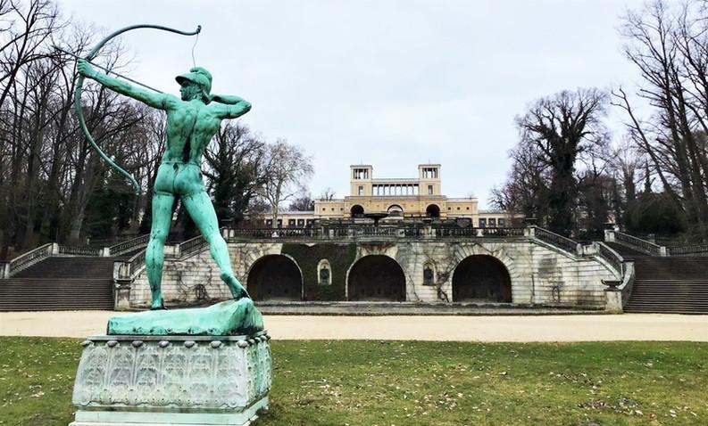 Orangery Palace 2.jpg