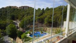 jardines_pool.JPG