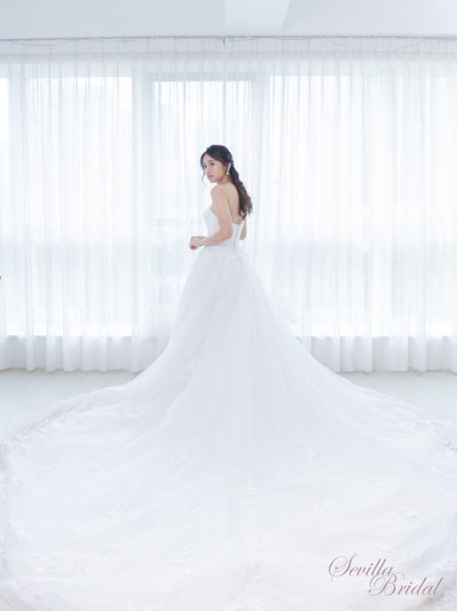 心型胸A-Line大拖尾婚紗.jpg