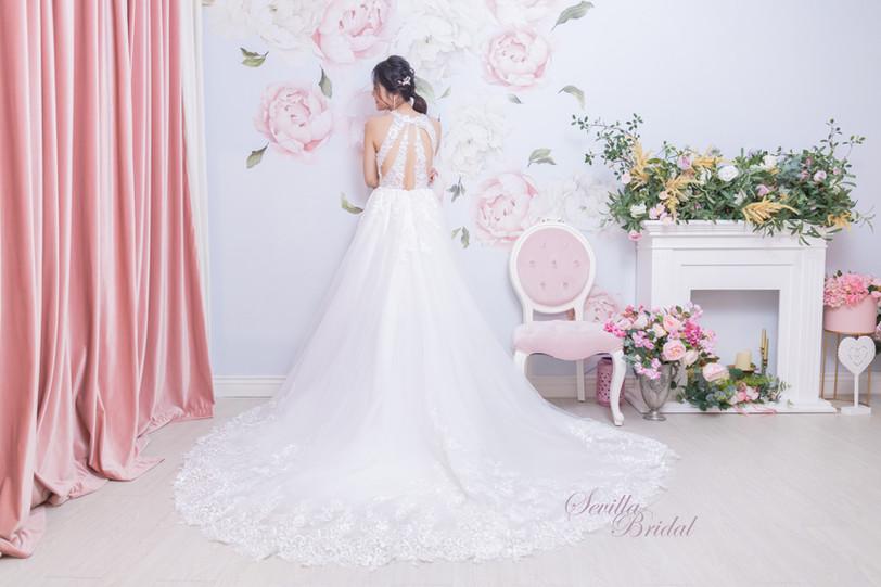 透視入膊款特色背A-Line婚紗2.jpg