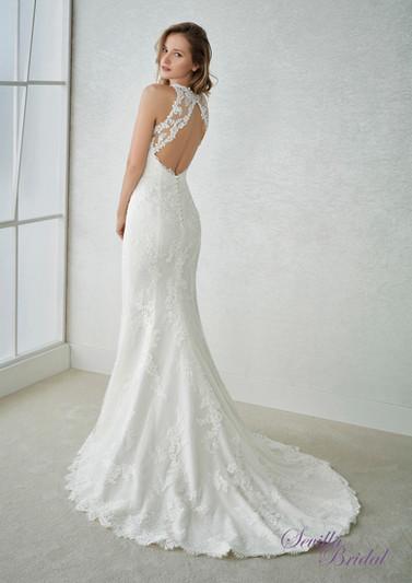 西班牙品牌Pronovias-White One入膊透視菱形背輕婚紗2.jpg