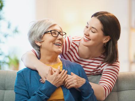 Quelle assistance proposer aux personnes âgées ? Le point sur les aides et dispositifs actuels
