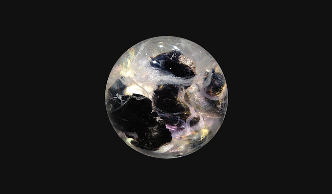 Exploding-star-black-2013-20cm-©Fanfan.