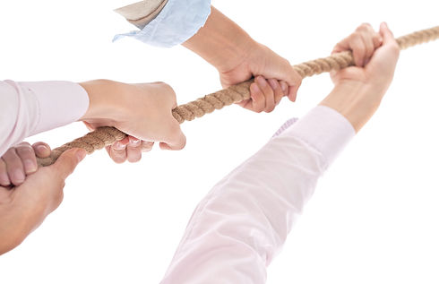 tug-of-war-as-element-of-teamwork-F2MJBE