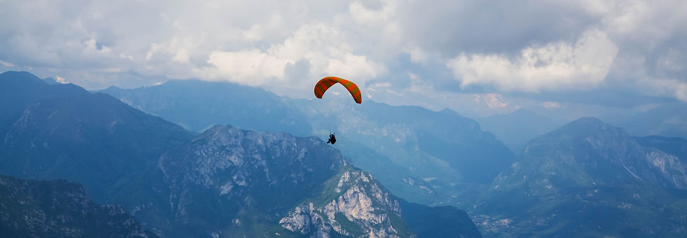 paraglider-over-lake-garda-BCQXHWP_edited.jpg