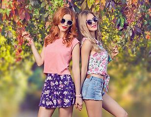 fashion-girl-stylish-autumn-outfit-nature-outdoor-PDYGRAJ.jpg