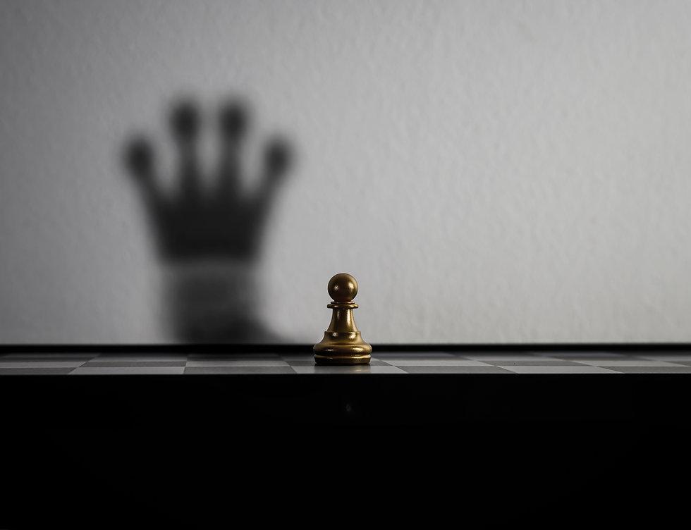 chessman-is-changed-shadow-crown.jpg