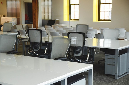 Are You Committed to Office Cleanliness?