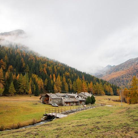 Les alpes en automne : Dans le coton des nuages