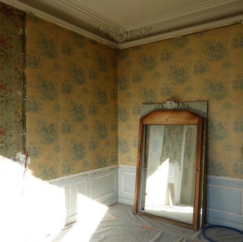 Photo pendant travaux de rénovation et décoration de la chambre d'enfant dans l'appartement Haussmannien, décoré par Coralie Vasseur, votre décoratrice d'intérieur UFDI à Paris