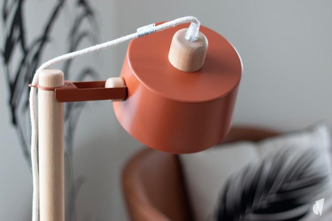 Aménagement et décoration des bureaux d'une startup à Senlis, par l'agence Coralie Vasseur. Coralie Vasseur est votre architecte d'intérieur et décoratrice UFDI à Annecy, Genève et en Haute Savoie : zoom sur la lampe design dizy