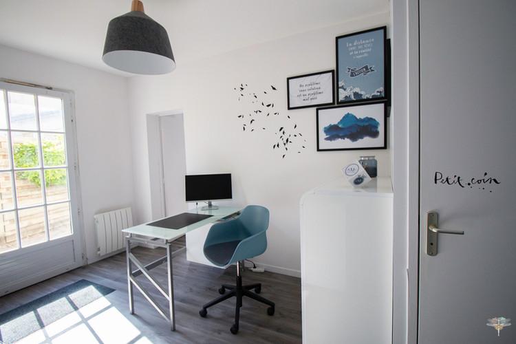 Aménagement et décoration des bureaux du cabinet de ressources humaines BMC à Chantilly, par Carnets Libellule. Coralie Vasseur est votre architecte d'intérieur UFDI à Compiegne : accueil des locaux et décoration mural