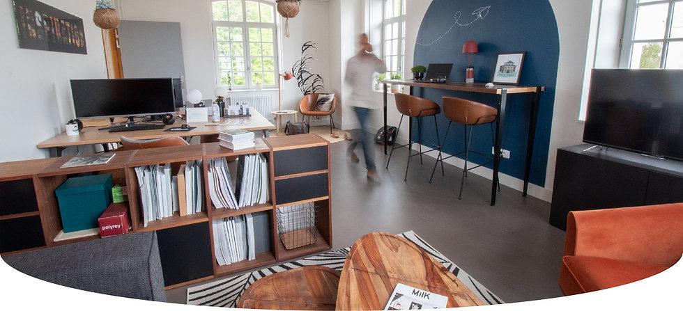 décoration des bureaux d'une startup au style coloré et décontracté à Senlis, par l'architecte d'intérieur Coralie Vasseur.