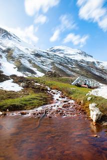 Cours d'eau en montagne, fonte des neiges
