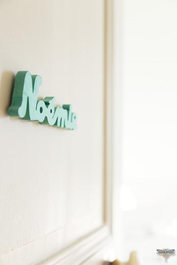 Décoration d'une chambre d'enfant pour une fille adolescente à Paris par Carnets Libellule. Coralie Vasseur est votre Décoratrice d'intérieur UFDI à Compiegne et Paris : porte de la chambre