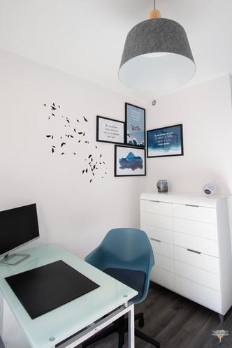 Aménagement et décoration des bureaux du cabinet de ressources humaines BMC à Chantilly, par Carnets Libellule. Coralie Vasseur est votre architecte d'intérieur UFDI à Compiegne : accueil de l'agence de recrutement avec citations murales et cadres
