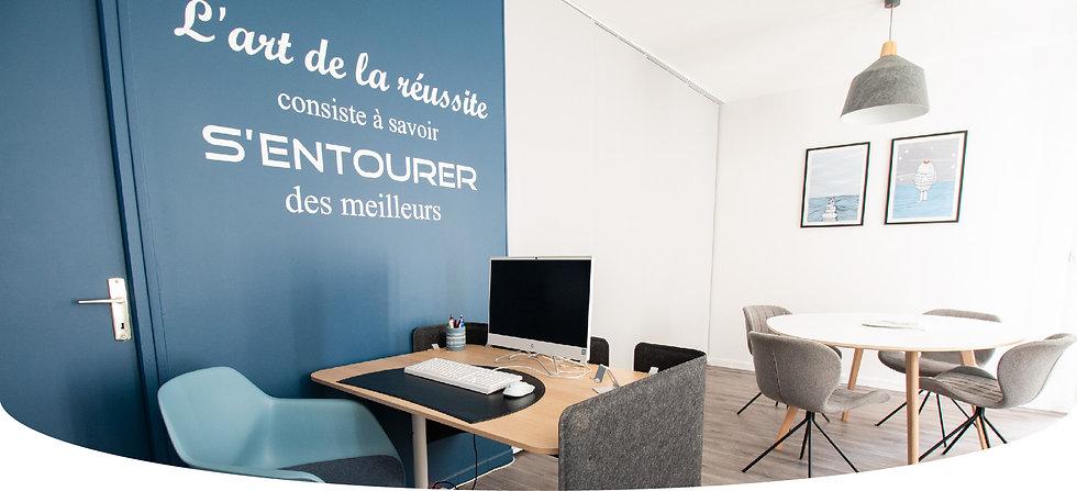 décoration d'une agence de recrutement au style contemporain à Chantilly, par l'architecte d'intérieur Coralie Vasseur.