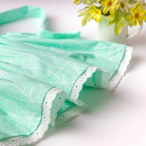 Green dress lace close up.jpg