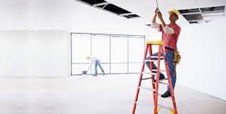 reparando techo escalera.jpg