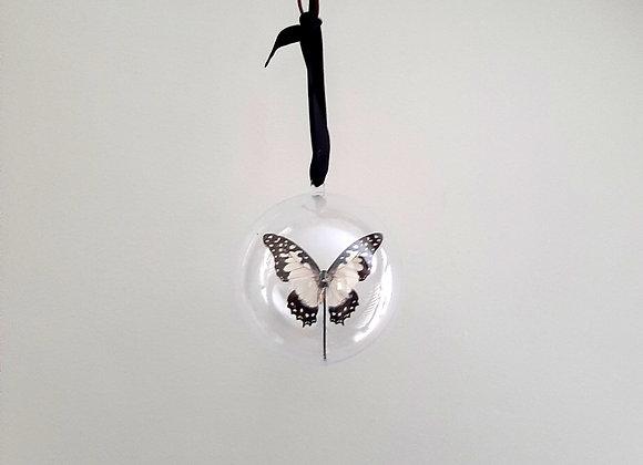 Boule décorative taille 2 papillon blanc et noir