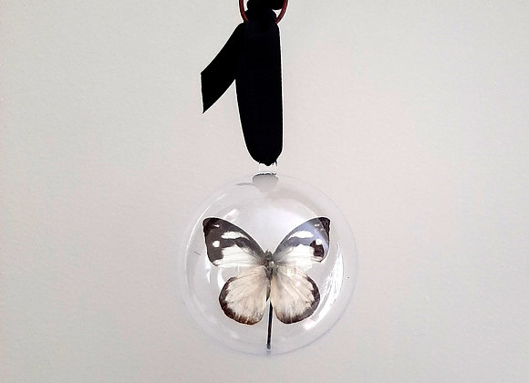 Boule décorative taille 1 papillon blanc et noir
