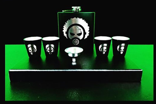 FLASK & SHOT GLASSES