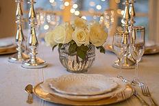 table-3018151_1920.jpg