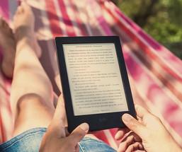 Kindle VS Print  |  Mark Titcombe