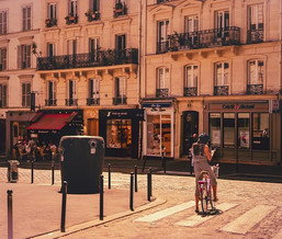 Catacombes de Paris  |  Lisbeth Black