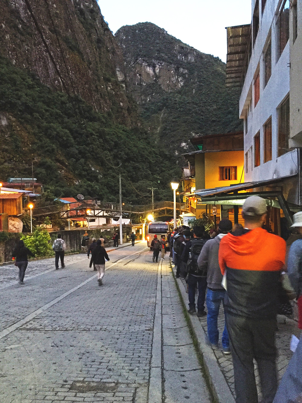 Line to the bus in Aguas Calientes
