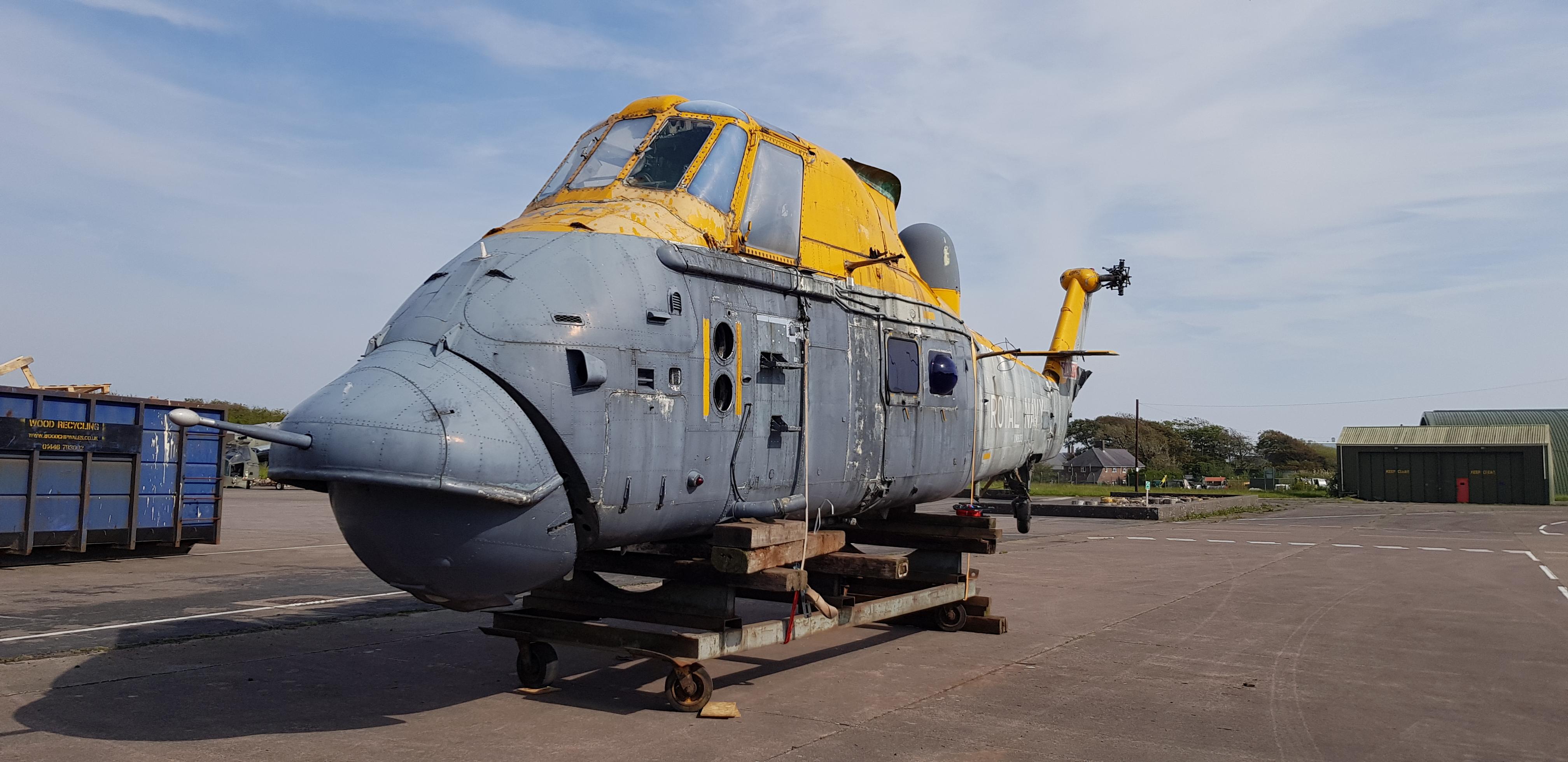 XM833
