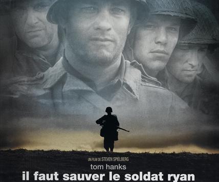 """Qui est ce civil caché derrière ce soldat? """"Il faut sauver le soldat Ryan"""" (Steven Spielb"""