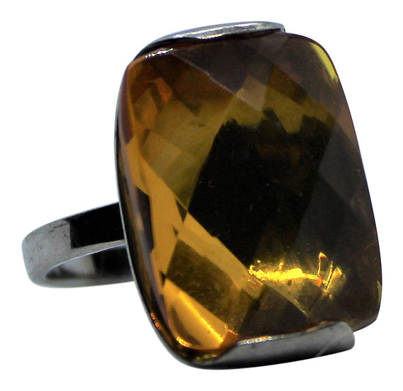Baltic Amber Ring: Facets Galore