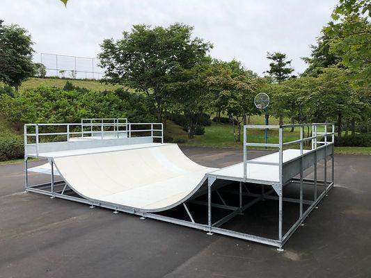 スケートボードパーク施工,ミニランプ