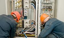 Emergency industrial electrician