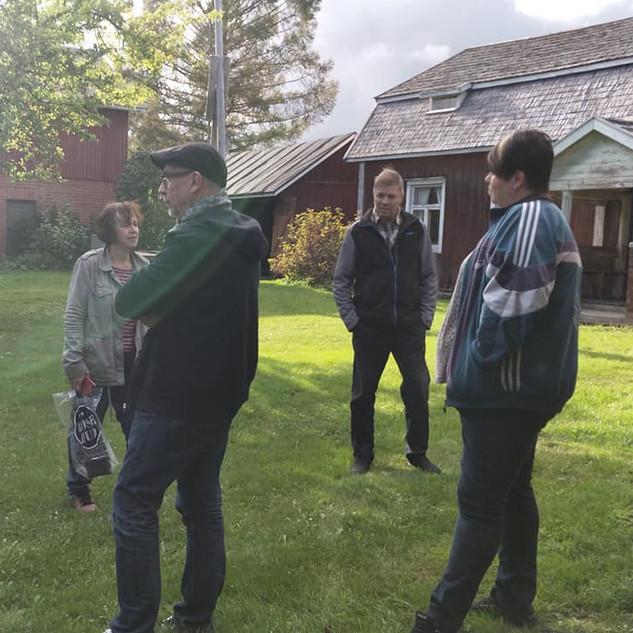 Kirjailijat Tupalan talomuseolla