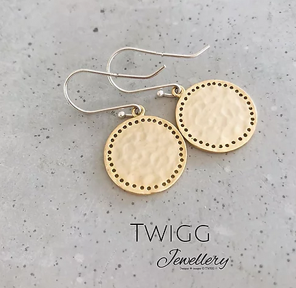 TWIGG Solice Pitted Drop Earrings
