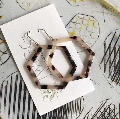 TWIGG Tortoise Hexagon Earrings