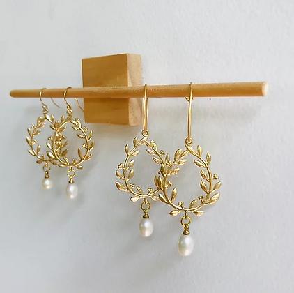 TWIGG Grecian Pearl Earrings